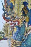 Naga: Sztukateryjna sztuka przy Watem Rong Sua Dziesięć, Chiang Raja prowincja, Tajlandia Zdjęcia Royalty Free