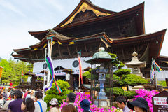NAGANO, JAPÓN - 23 DE MAYO DE 2015: Templo importante de Zenkoji, Nagano, Imagen de archivo libre de regalías