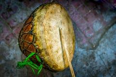 Nagara - музыкальный инструмент барабанчика используемый в сельской Индии стоковое изображение rf
