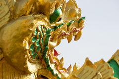 Nagastatue gelegen bei Wat Phra That Choom Chum Sakon Nakhon Lizenzfreies Stockfoto