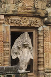 Nagastatyn på Prasat Hin Phanom ringde, Thailand Arkivfoton