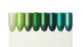 Nagellackproben, grüne Töne, lokalisiert auf weißem, buntem Na lizenzfreies stockbild