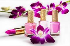 Nagellak en lippenstift Stock Afbeeldingen