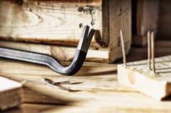 Nageln für den Abbau von Holzbauweisen Lizenzfreie Stockfotos