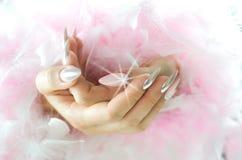 Nagelrosa und -perle mit Diamanten Lizenzfreie Stockbilder