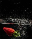 Nageur de fraise images libres de droits