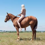 Nagi horsewoman Zdjęcie Royalty Free