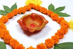 Nagietka kwiatu rangoli projekt dla Diwali festiwalu, Indiańska festiwalu kwiatu dekoracja obrazy royalty free