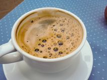 Naglący śniadanie, kawa, owoc, chleb zdjęcia stock