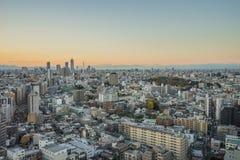 Nagoya cityscape med härlig himmel i solnedgångaftontid Royaltyfri Foto