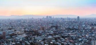 Nagoya cityscape och skyskrapa med himmel i skymningtid Arkivfoton