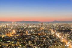 Nagoya cityscape och skyskrapa med himmel i skymningtid Arkivfoto