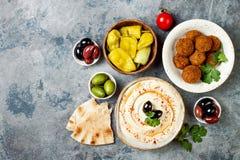 Nahöstliches traditionelles Abendessen Authentische arabische Küche Meze-Parteilebensmittel Draufsicht, flache Lage, obenliegend stockbilder