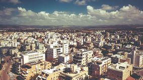 NAHARIJA, ISRAEL 9. MÄRZ 2018: Vogelperspektive zur Stadt von Naharija, Israel Lizenzfreies Stockfoto