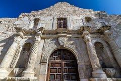 Nahaufnahme-Ansicht des Eingangs nach das berühmte Alamo, San Antonio, Texas. Lizenzfreie Stockfotografie