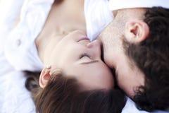 Nahaufnahme auf liebevollen Paaren Stockfoto