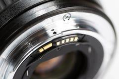 Nahaufnahme auf Schnittstelle und Rückseite der photographischen Linse stockfoto