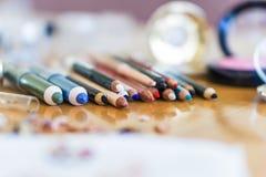 Nahaufnahme, Bleistiftmake-up Schönheitsmodekonzept Lizenzfreie Stockbilder