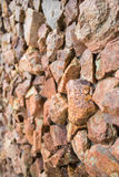 Nahaufnahme der antiken Steinwand Stockbilder