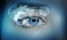 Nahaufnahme der digitalen Wiedergabe des Auges 3D der Frau Stockbild