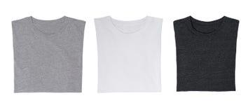 Nahaufnahme der drei T-Shirts (schwarz, weiß und grau) lizenzfreies stockfoto