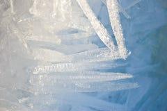 Nahaufnahme der Eiskristalle mit sehr flachem Stockfotografie
