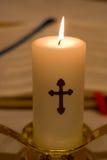 Nahaufnahme der frommen Kerze Stockbilder