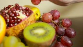 Nahaufnahme der Frucht, Konzept des gesunden Lebensstils, Diät stock footage
