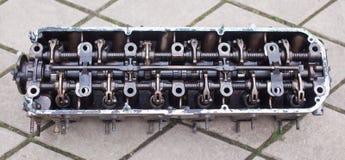 Nahaufnahme der Kopf eines Sechszylindermotors Stockfotos