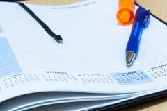 Nahaufnahme der Molkereiseite mit Stift lizenzfreies stockbild