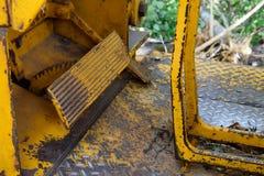 Nahaufnahme der Planierraupen-Fuß-Pedal-Steuerung Stockbilder
