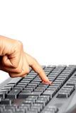 Nahaufnahme der schwarzen Tastatur mit der Maus, die sich vorbei betätigt Lizenzfreies Stockfoto