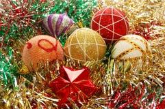 Nahaufnahme der Weihnachtsdekorationen Stockfotos