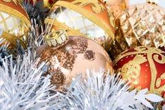 Nahaufnahme der Weihnachtsverzierungen Stockfotografie