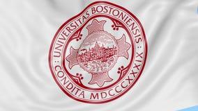Nahaufnahme der wellenartig bewegenden Flagge mit Boston-Hochschulemblem, nahtlose Schleife, blauer Hintergrund Redaktionelle Ani stock footage