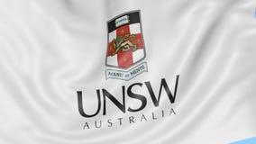 Nahaufnahme der wellenartig bewegenden Flagge mit Universität von New South Wales Emblem, nahtlose Schleife, blauer Hintergrund R stock video
