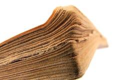 Nahaufnahme des alten Buches auf weißem Hintergrund Stockfotografie