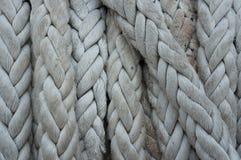 Nahaufnahme des alten Seils, Bootsseilbeschaffenheit stockbilder