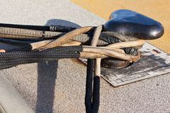 Nahaufnahme des Boots-Bügelen auf einem Dockpier Lizenzfreies Stockbild