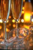 Nahaufnahme des Champagners in den Gläsern. stockbilder