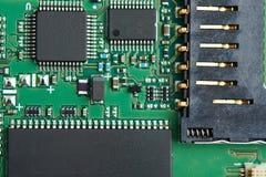 Nahaufnahme des elektronischen Brettstromkreises Stockbilder