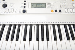 Nahaufnahme des elektronischen Klaviers Stockfotografie