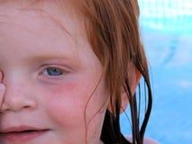 Nahaufnahme des Gesichtes der kleinen Mädchen Stockfotografie