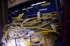 Nahaufnahme des Gestell angebrachten Servers Stockbild