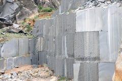 Nahaufnahme des Granits die glatten u. rauen Oberflächen zeigend Lizenzfreie Stockbilder