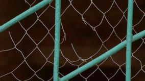 Nahaufnahme des grauen Gitterzeitlupevideos stock video