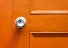 Nahaufnahme des Griffs mit gelber Tür lizenzfreie stockfotografie