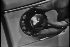 Nahaufnahme des Handdrehengriffs auf Wäschetrockner stock footage