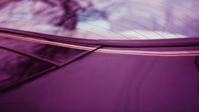 Nahaufnahme des hinteren Fensters von einem modernen sportscar stockfoto