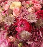 Nahaufnahme des Hochzeitsblumenstraußes Stockbild